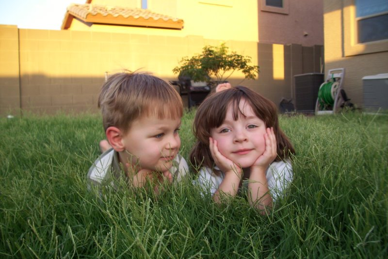 2009-07-12-kids-playing-in-overgrown-grass-17.JPG