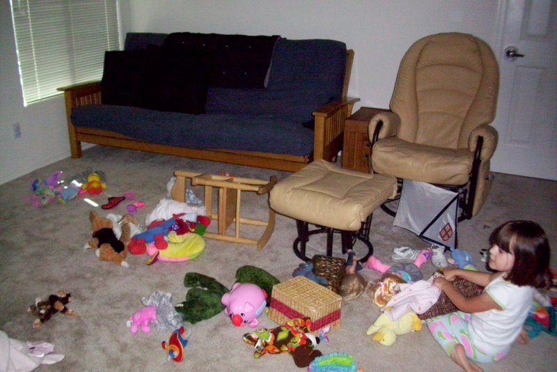 2009-07-30-toy-mess-3.JPG