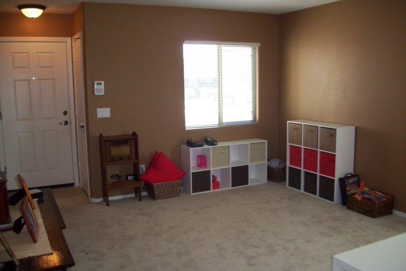 2009-08-09-kids-playroom-in-the-living-room-1.JPG