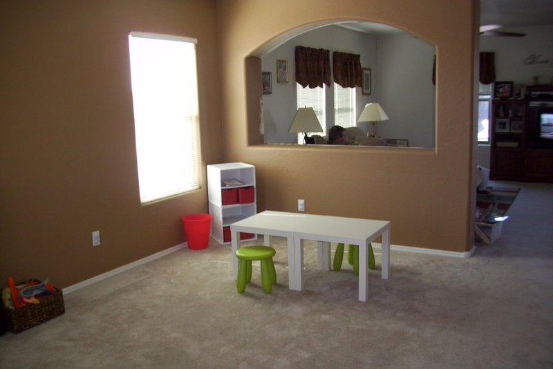 2009-08-09-kids-playroom-in-the-living-room-3.JPG