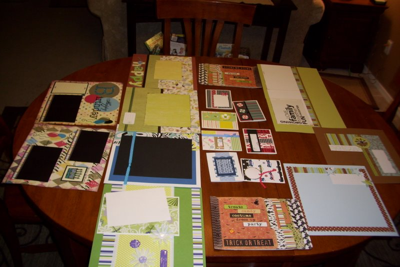 2009-10-03-scrapbook-convention-projects.JPG